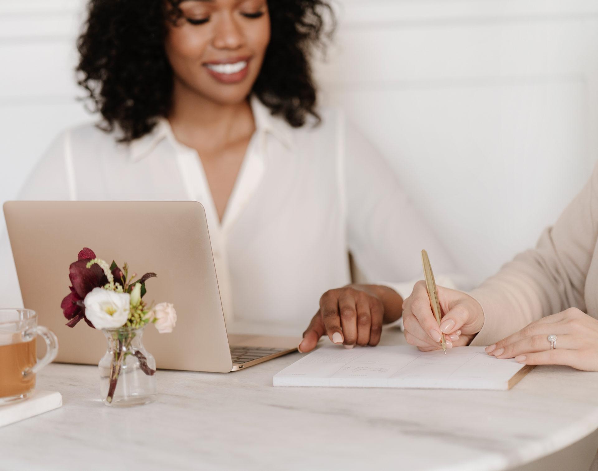 les-passionnelles-jeanne-authier-services-identite-visuelle-logo-wedding-planner