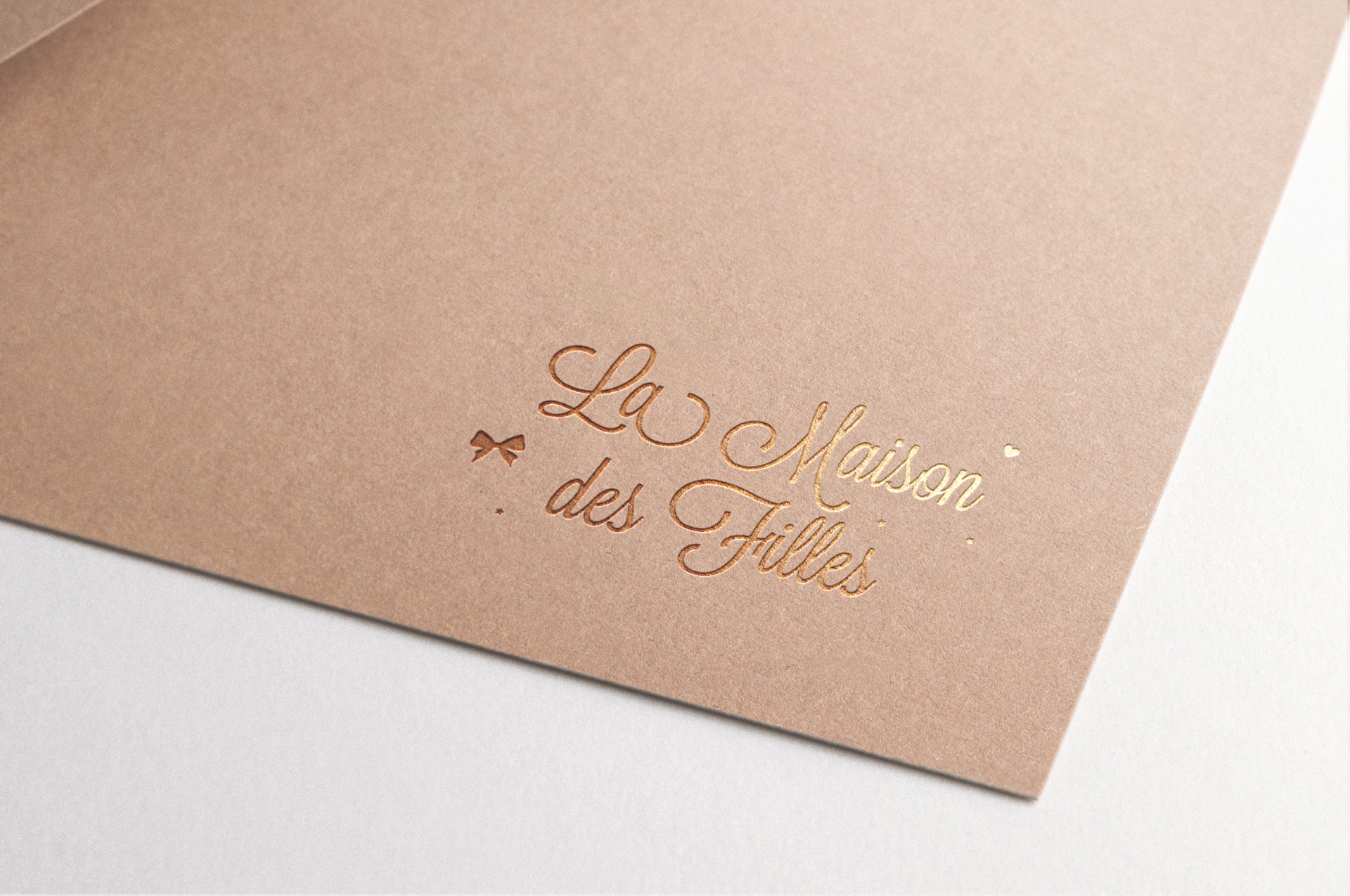 Logo-dore-kraft-feminin-beaute-maison-des-filles